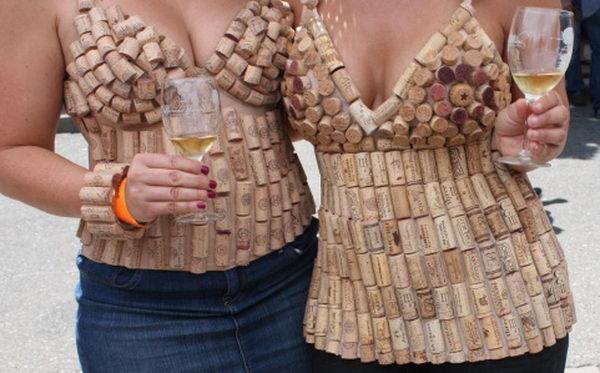 Vinkorkar som topp och linne