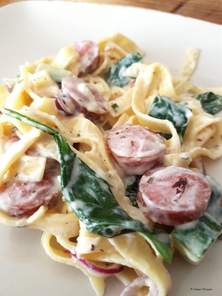 Lättlagat i köket är pasta med korv