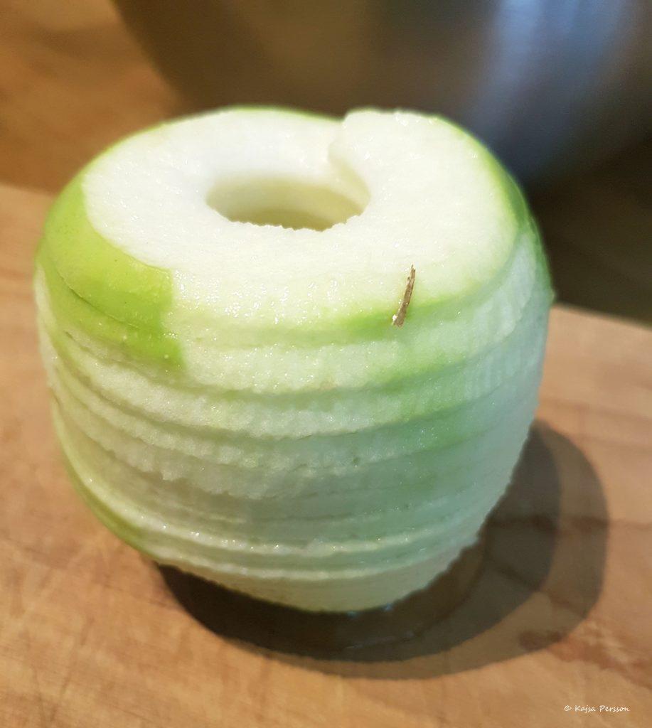 Perfekt delat äpple med äpple svarven