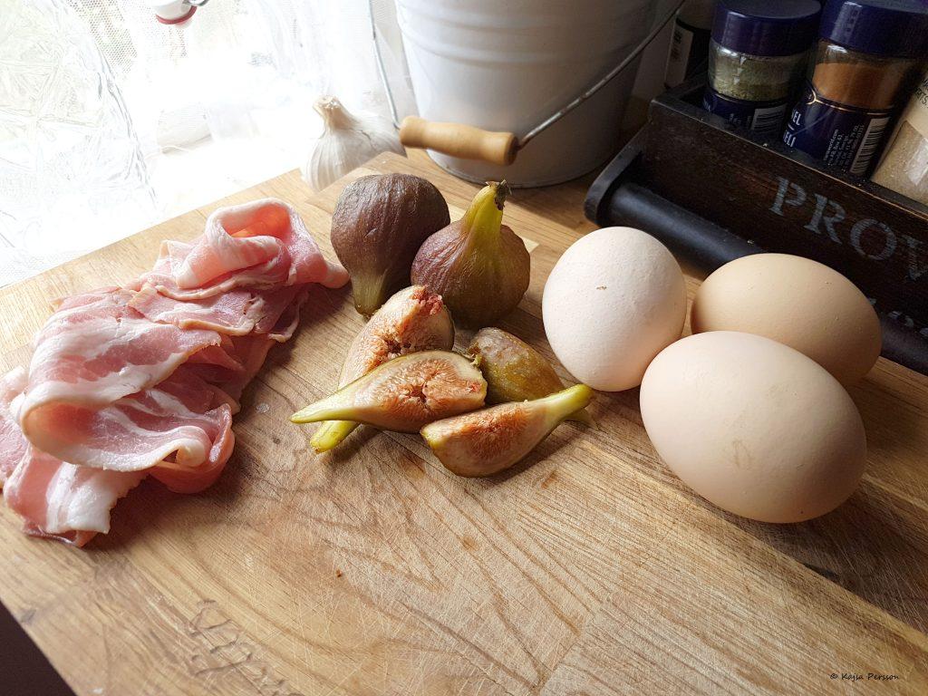 Ingredienser till lunch med kramelliserade fikon