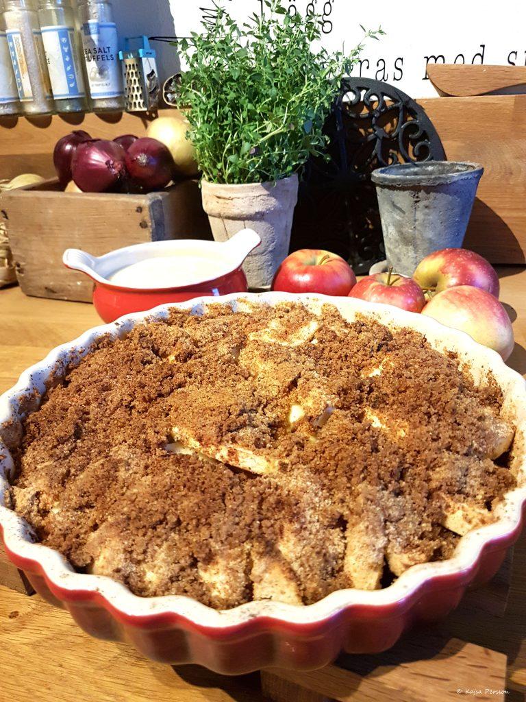 Skånsk äpplekaka är perfekt som avslutning på sin söndagsmiddag