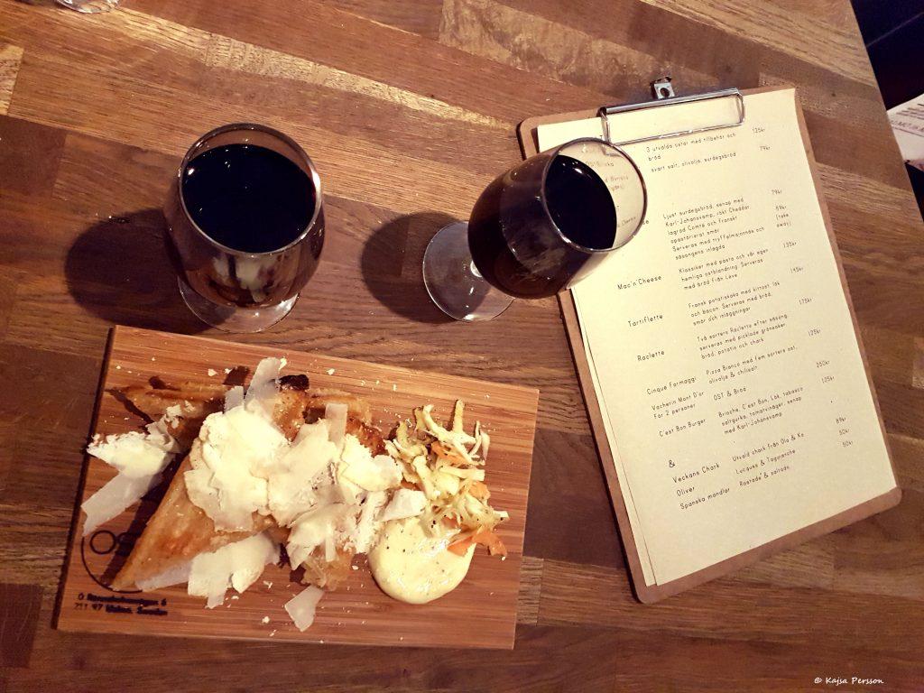 Ost toast med rödvin
