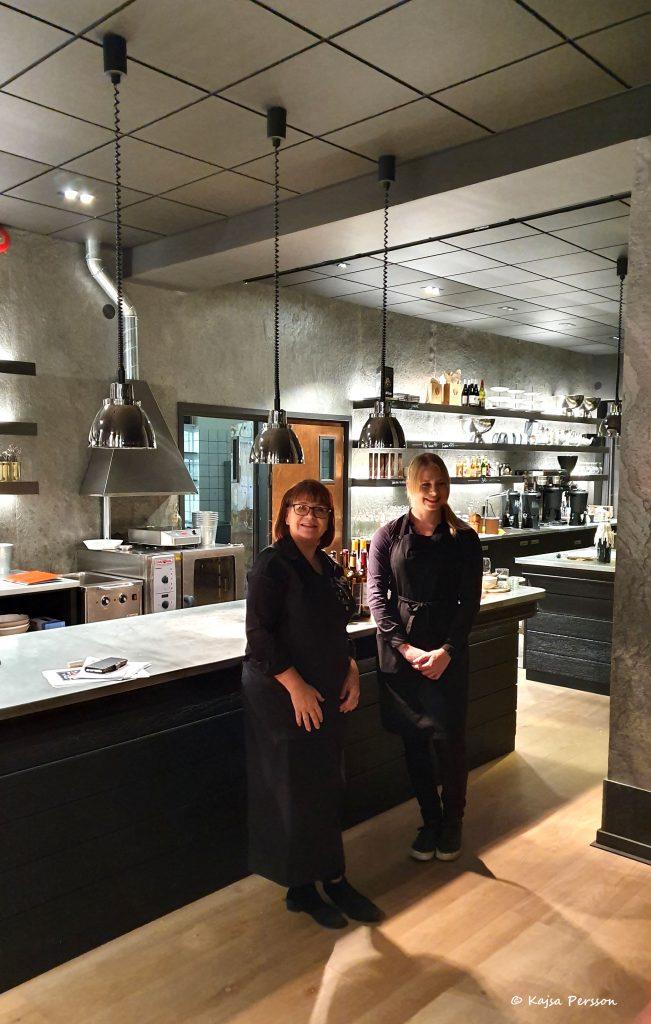 Sommelier Carina Olofsson Gavelin och Josefine Rydqvist från Bengtssons Ost, Trianglen