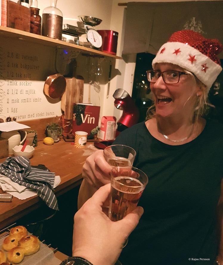 Skåla med bubbel vid julbak