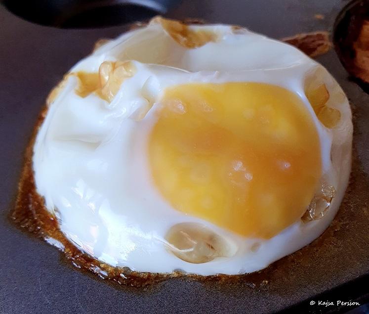 Allt i ett frukost i en muffinsform