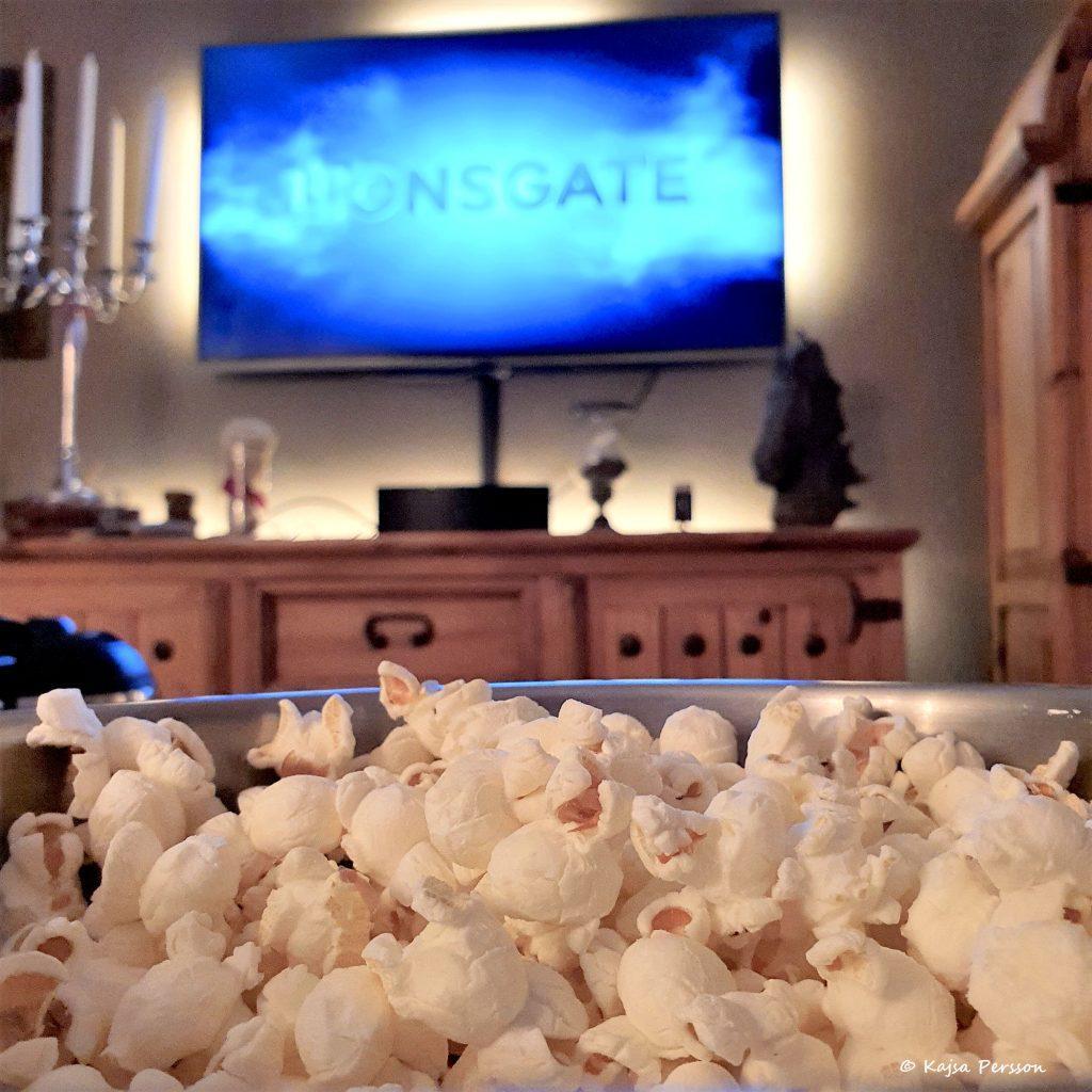 Popcorn och film som bio hemma