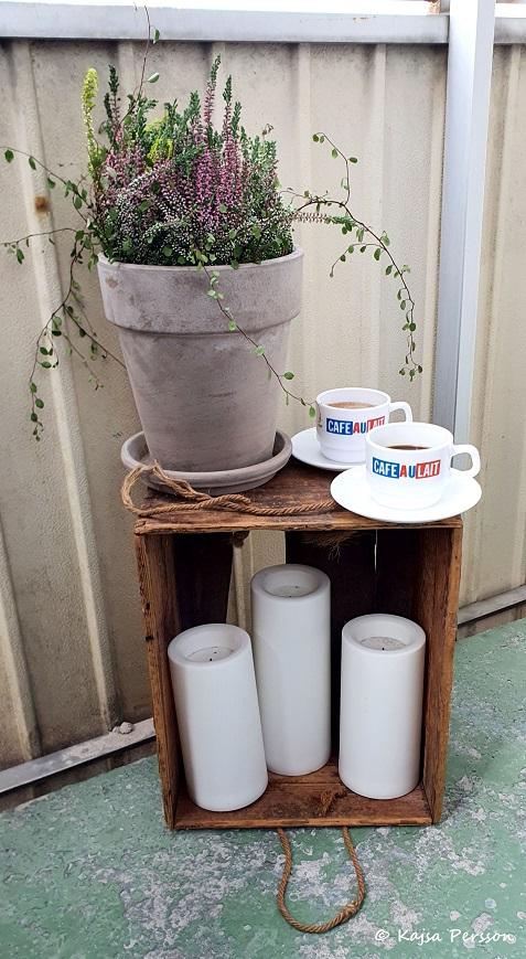 Kaffe och varm choklad på Balkongen för en känsla av Paris