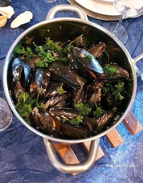 Moules Mariniere Vinkokta musslor