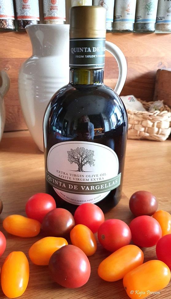 En flaska Olivolja från Taylors