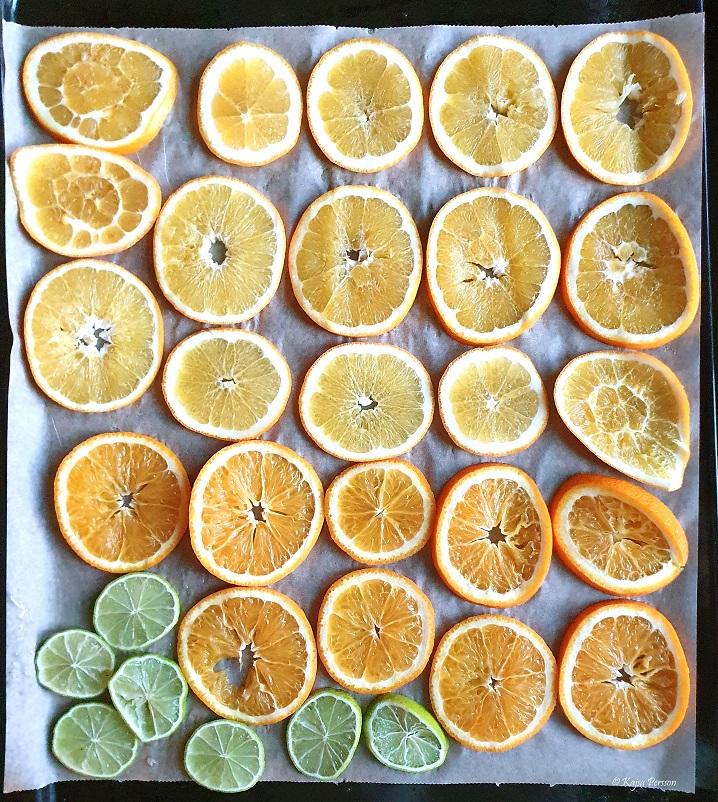 torka apelsiner och lime i ugnen