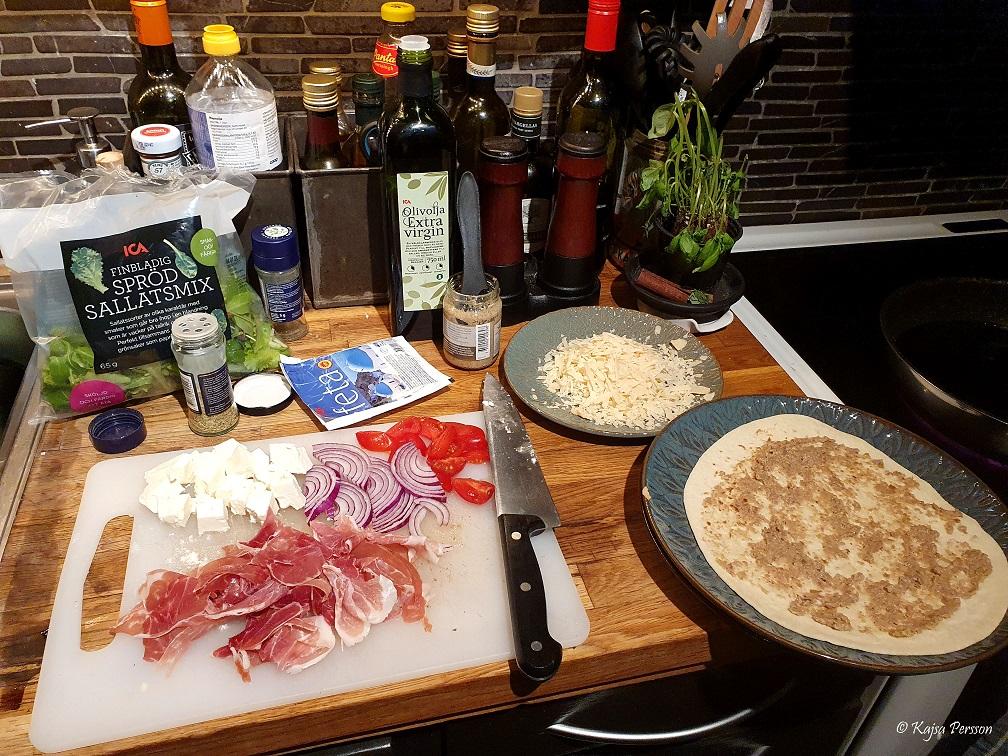 Ingredienser till dagens middag Piandina med fyllning