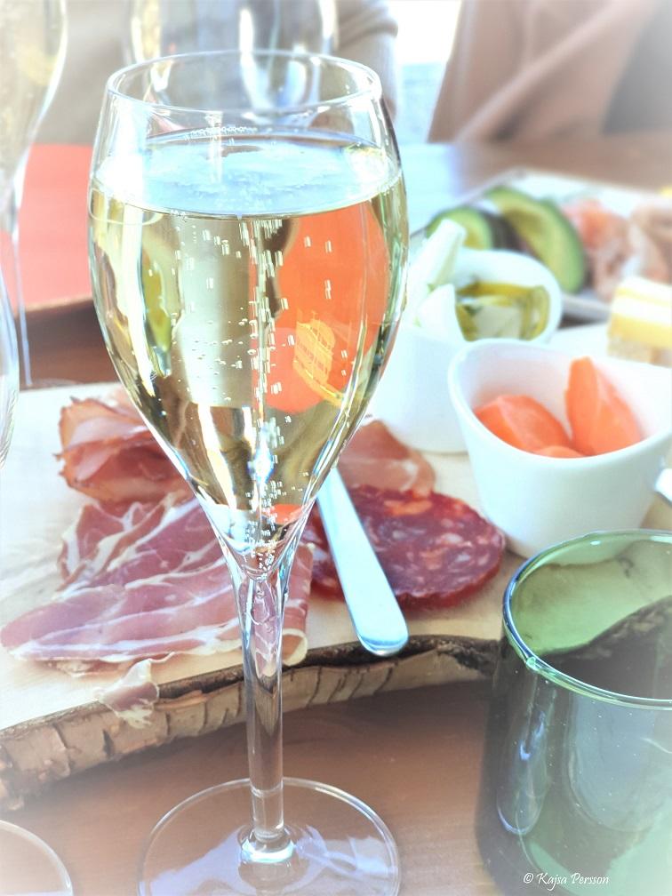 Champagnebrunch med fantastiska bubblor av Launois blanc de blanc champagne