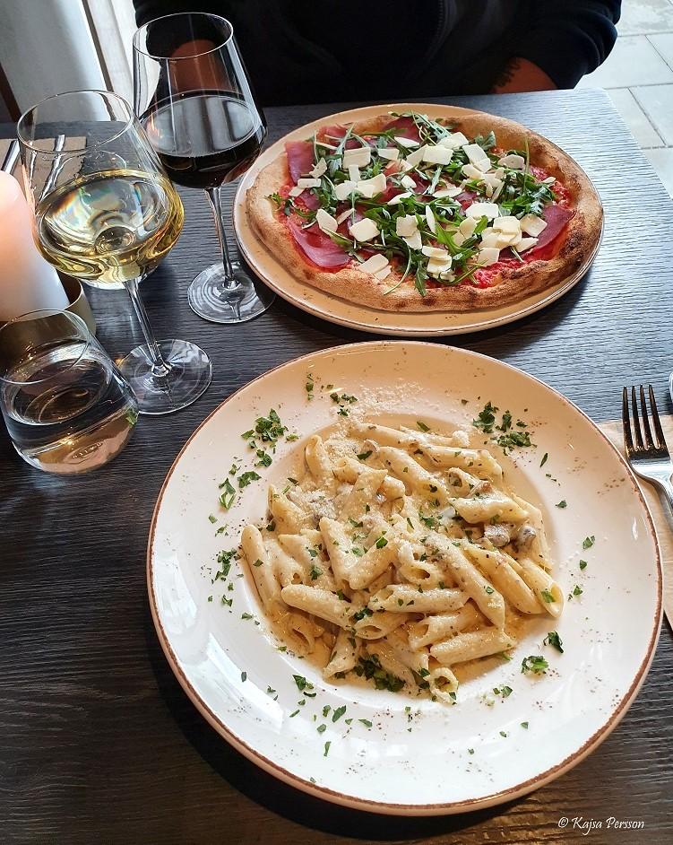 Pasta och pizza hos Little Italy