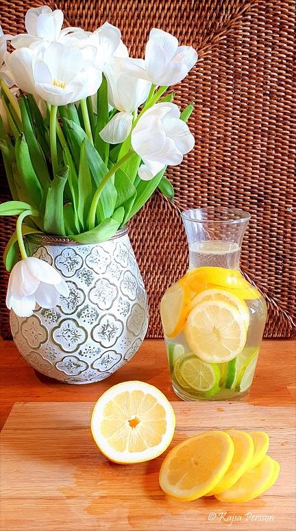 Smaksatt vatten med Citron och lime