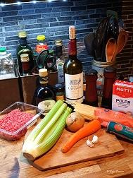 Ingredienser till spagetti och köttfärssås