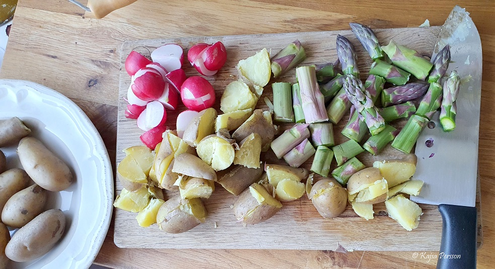 Potatis sparris och rädisor