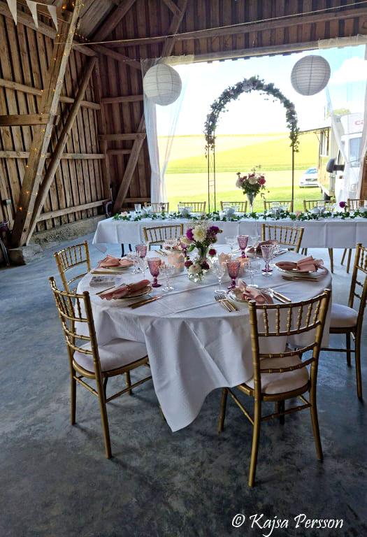 Vackert dukade bord i Mossdala gård festlokal