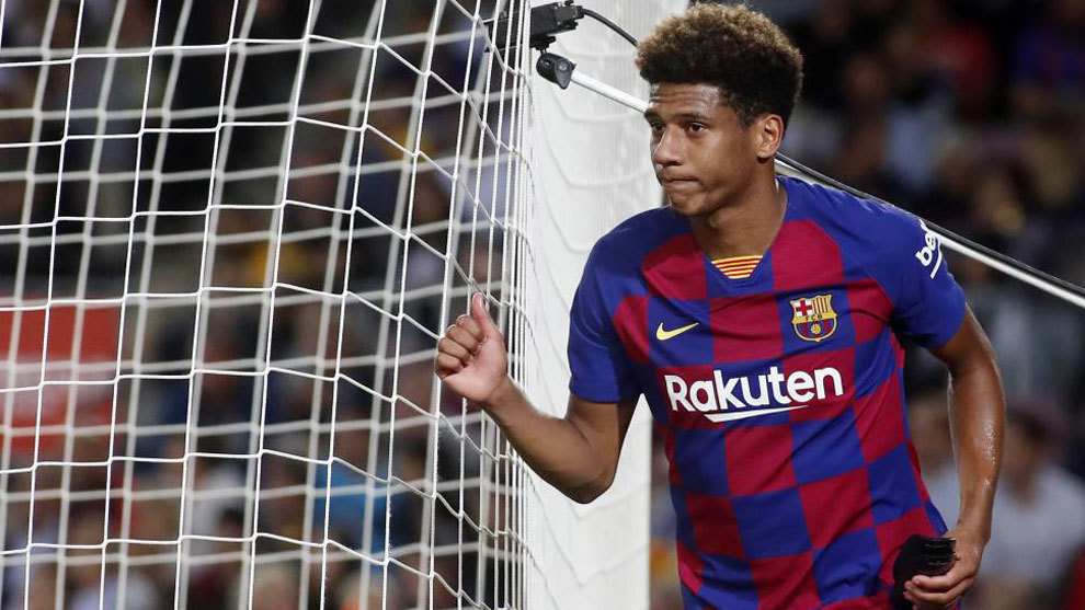 Jean-Clair Todibo during a performance for Barcelona in La Liga 2019/20 / FRANCESC ADELANTADO