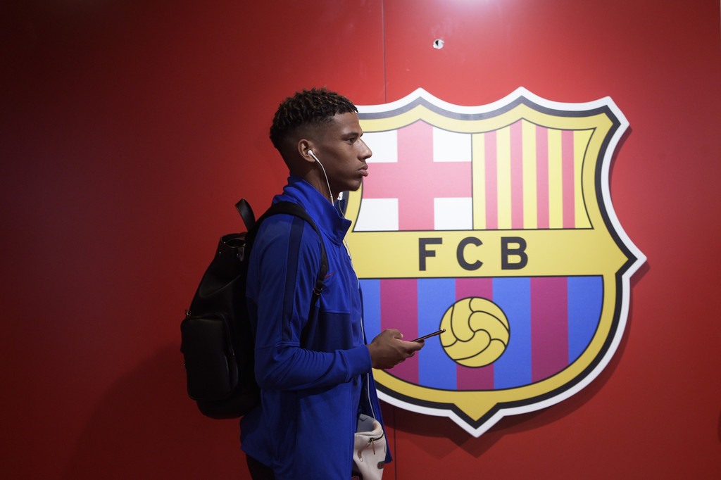 Jean Clair Todibo (FC Barcelona) arrives to the Ipurua Municipal Stadium on October 19, 2019 // GETTY IMAGES EUROPE