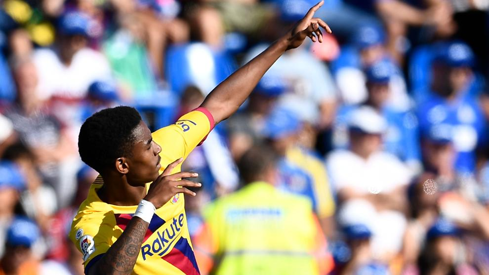 Junior Firpo celebrating his first goal in Barcelona colors, against Getafe / AFP
