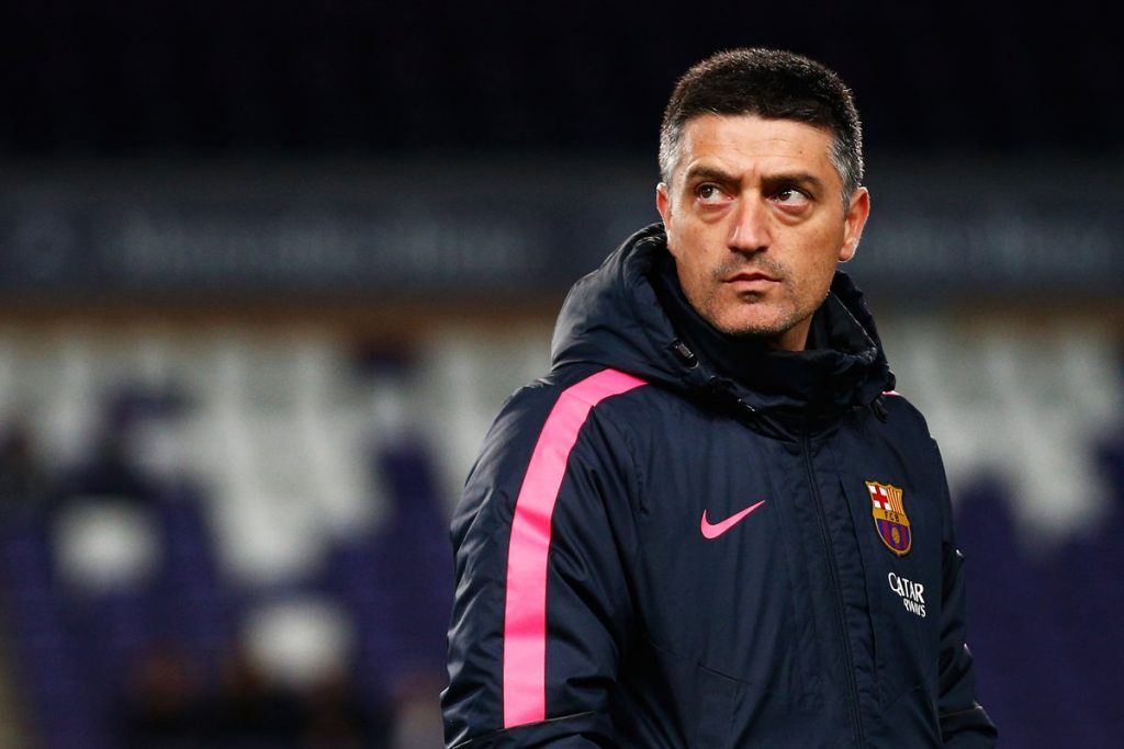 Garcia Pimíenta, on the sidelines for Barça B / DEAN MOUHTAROPOULOS/GETTY IMAGES