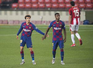 Riqui Puig (I) y Ansu Fati (D) durante el partido de ayer en el Camp Nou / PERE PUNTI/MUNDO DEPORTIVO