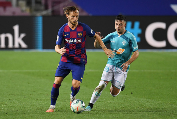 Ivan Rakitic, in action against CA Osasuna / Getty Images Europe