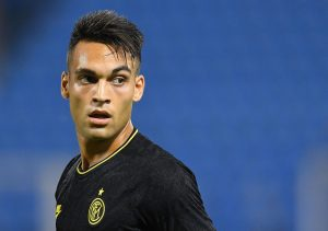 Lautaro Martinez looks on during the Serie A match at Stadio Paolo Mazza. / GETTY IMAGES EUROPE