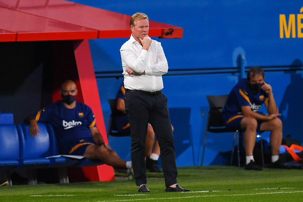 Koeman during FC Barcelona's friendly against Nàstic/ DAVID RAMOS, GETTY IMAGES EUROPE