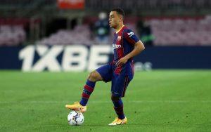 Sergiño Dest durante su debut con el Barcelona. / MIGUEL RUIZ / FCBARCELONA