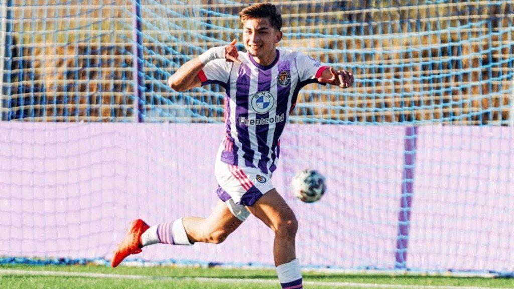Iván San José with celebrating a goal / SPORT