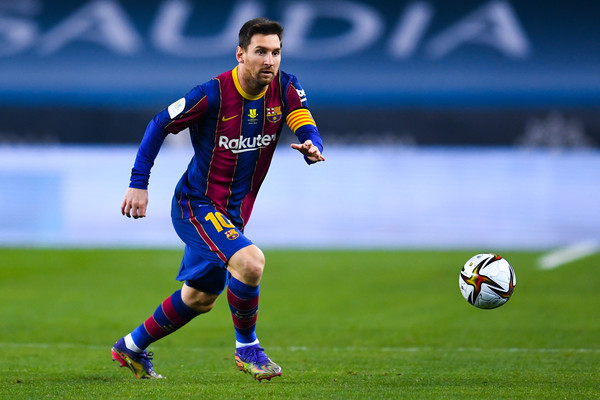 Lionel Messi in action in the Spanish Super Cup final / David Ramos / Getty Images Europe