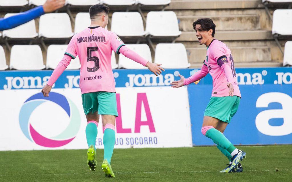 Mika y Collado celebran el único gol del partido / FC Barcelona B