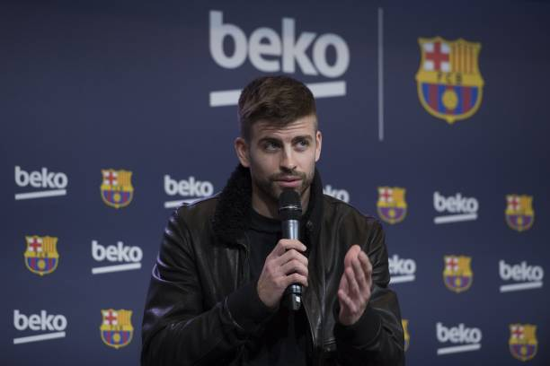 BARCELONA, SPAIN - FEBRUARY 15: Gerard Pique makes a speech during a press presentation of a sponsorship agreement between Barcelona FC and Beko at Camp Nou Auditorium 1899 in Barcelona, Spain on February 15, 2018. (Photo by Lola Bou/Anadolu Agency/Getty Images)