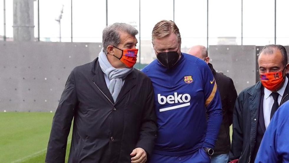 Joan Laporta and Ronald Koeman, at Barça's training session last Monday (Source: Instagram/FC Barcelona)