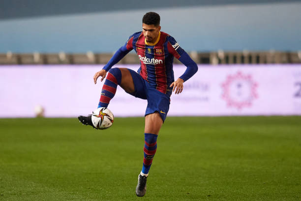 Ronald Araujo during the Supercopa de Espana Semi Final match between Real Sociedad and FC Barcelona at Estadio Nuevo Arcangel (Photo by Jose Breton/Pics Action/NurPhoto via Getty Images)