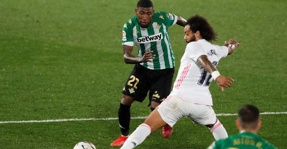 Emerson, in action against Real Madrid during the LaLiga Santander match between Real Madrid and Real Betis (Photo by :Juan Carlos Hidalgo / EFE)