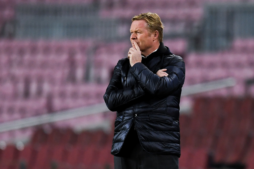 Ronald Koeman on the sideline during FC Barcelona vs. Juventus at Camp Nou in the UEFA Champions League / DAVID RAMOS/GETTY IMAGES EUROPE