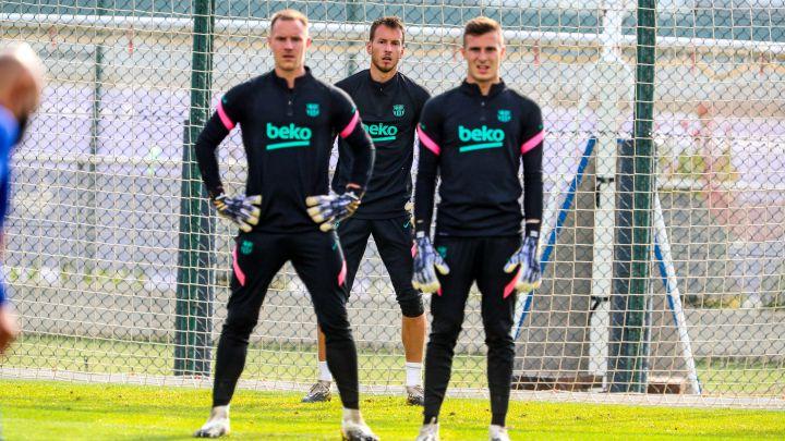 Barça's three goalkeepers Ter Stegen, Neto and Peña during training / FC BARCELONA TWITTER