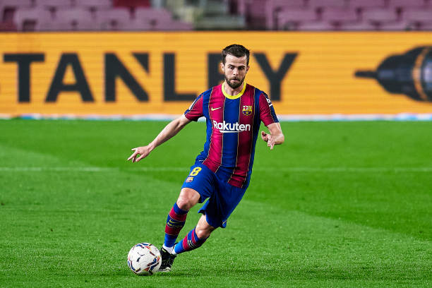 Miralem Pjanic during the La Liga Santander match between FC Barcelona and Elche CF at Camp Nou (Photo by Pedro Salado/Quality Sport Images/Getty Images)