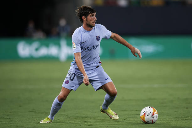 Sergi Roberto in action during the match between Cadiz CF and FC Barcelona/ (Photo by Jose Breton/Pics Action/NurPhoto via Getty Images)