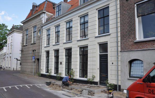 Ambtmanstraat 01