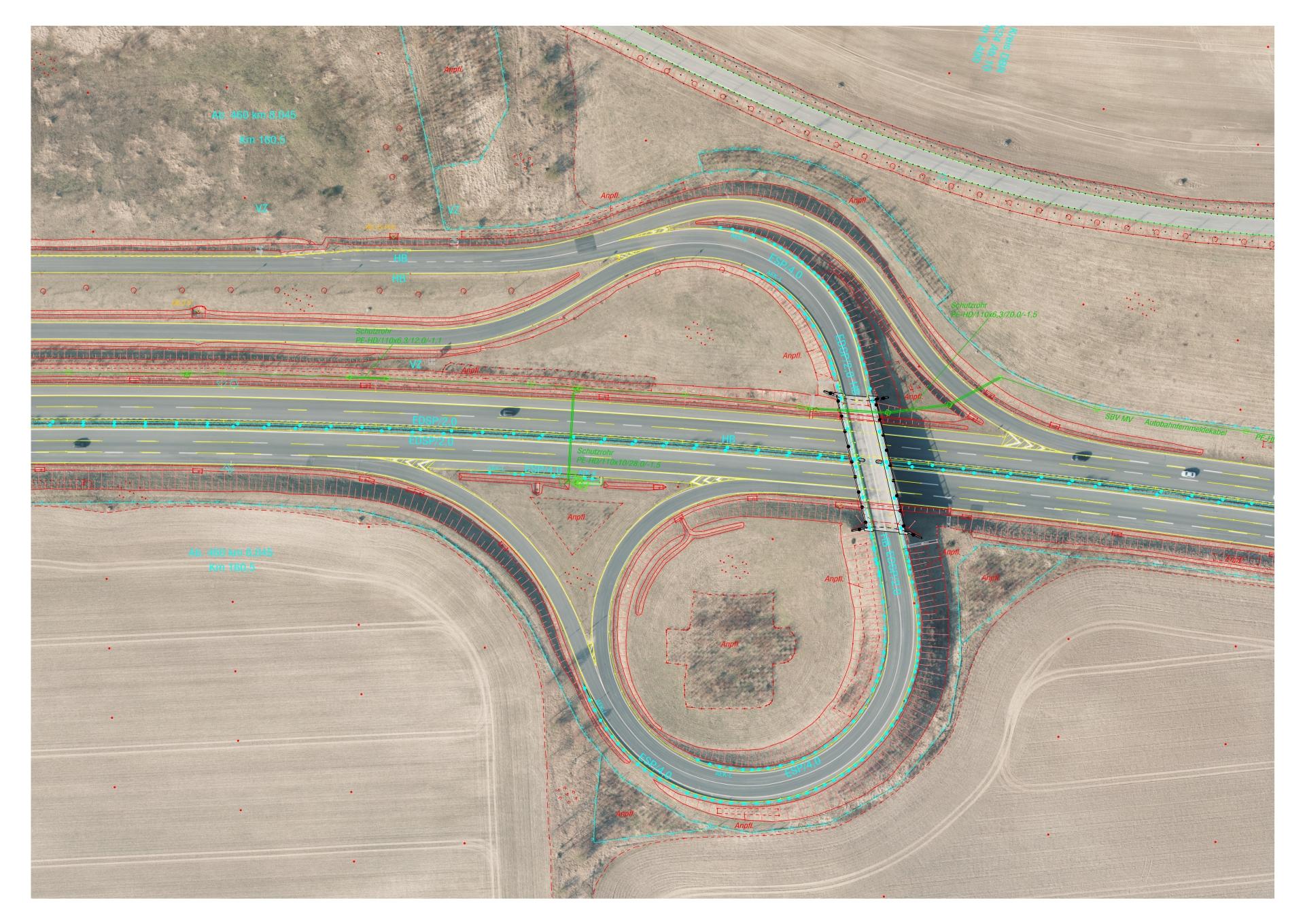 DOP überlagert mit Vektordaten vom Grundriss und der Leitungen