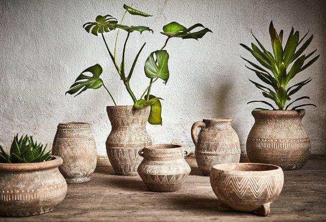 Blomkrukor med grekiskt tema