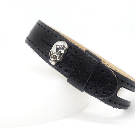 Black leather bracelet & Silver skull