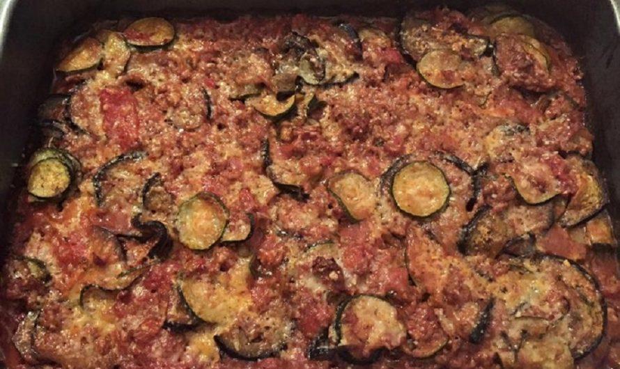 Hack-Auberginen-Zucchini-Auflauf