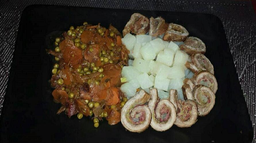 Rinder-Rouladen-an-Schmorgemüse