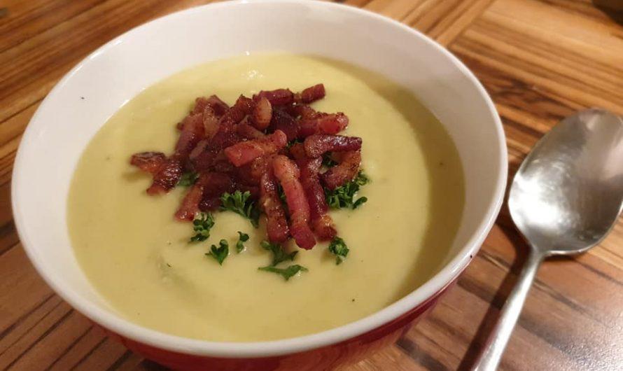 Rosenkohl-Rahm-Suppe mit Bacon