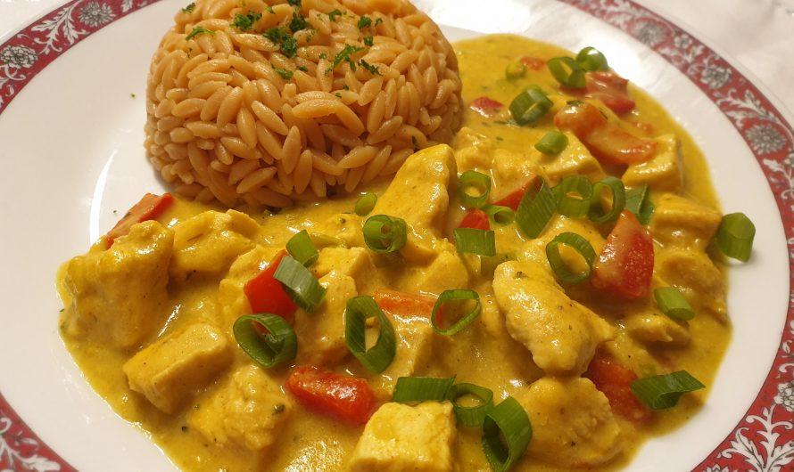 Hähnchen-Curry mit Lauch und Paprika