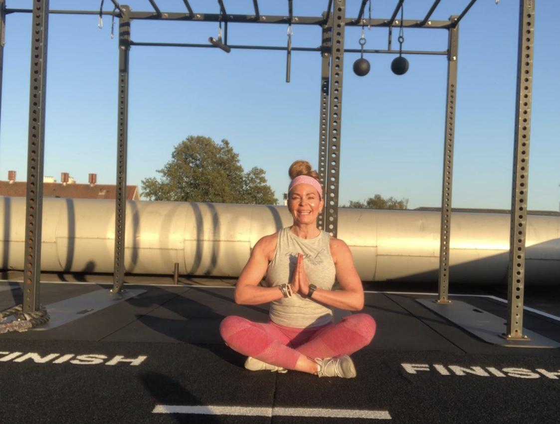 yoga strækøvelser